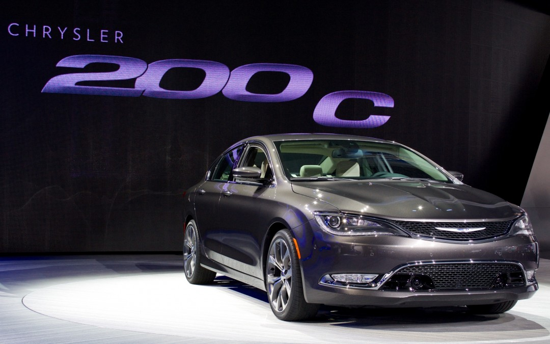 How to use the New 2015 Chrysler 200's 9-Speed Transmission (Video)