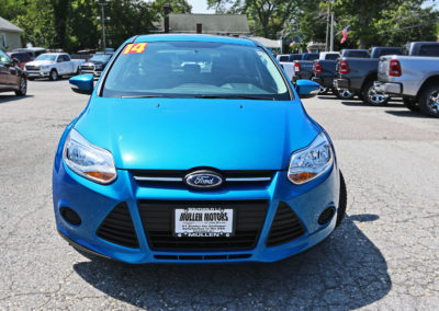 2014 Ford Focus SE Hatchback Blue 7542 IMG_0778