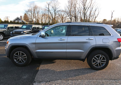 Driver Side Exterior of Silver 2017 Grand Cherokee Limited