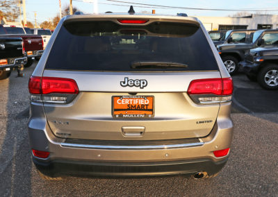 2017 Grand Cherokee Limited Silver 7586 IMG_3463